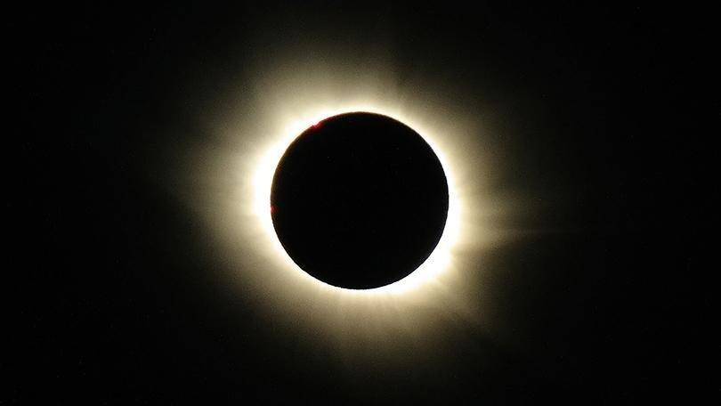 518065-eclipse